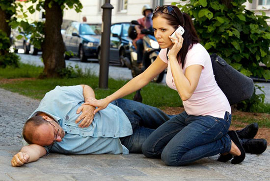 обморок – один из симптомов микроинфаркта