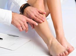 Какой врач лечит варикозное расширение вен на ногах, пищевода и других органов