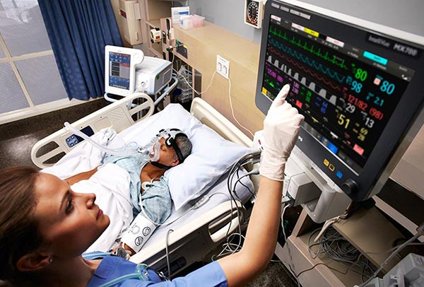 использование прикроватных мониторов для фиксации пульса у тяжелобольных пациентов