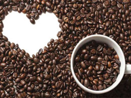 зерна кофе и сердце